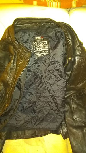 Leather jacket for Sale in Ruskin, FL