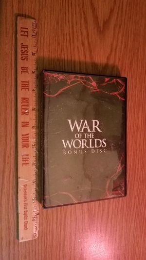 War of the worlds bonus disc. for Sale in Rincon, GA