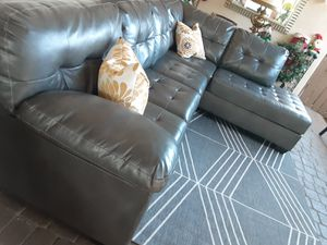 SECTIONAL COUCH IN L.DELIVERY SERVICE AVAILABLE FREE for Sale in HALNDLE BCH, FL
