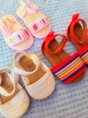 BABY GIRL SANDALS AND BOOTS SIZE 0-3 MONTHS for Sale in DeLand, FL