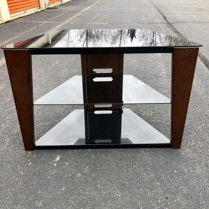 TV Stand for Sale in Lake Ridge, VA