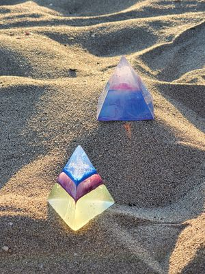Resin Pyramids for Sale in Los Angeles, CA