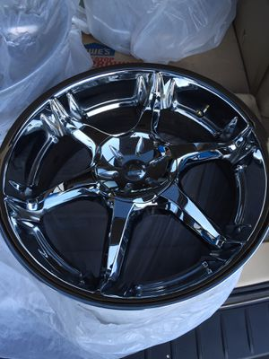 """Chrome 20"""" wheels 5x5.5 or 5x5 1/2 rims only... for Sale in Seattle, WA"""