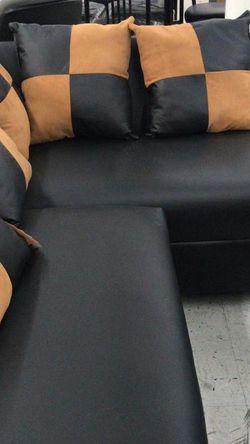 FURNITURE NEW SECTIONAL BLACK. MUEBLES SECCIONAL NUEVO NEGRO for Sale in Miami,  FL