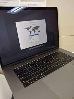 MacBook Pro 2019 15in 256GB SSD Brand New for Sale in Tacoma, WA