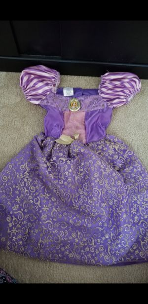 Tangled rapunzel light up dress costume for Sale in New Lenox, IL