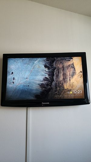 "Panasonic TV Viera 32"" LCD HDTV for Sale in HUNTINGTN BCH, CA"