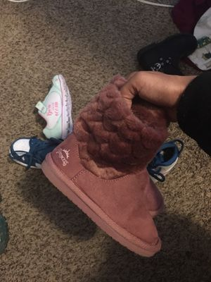 8c gently used girl boots for Sale in Minneapolis, MN