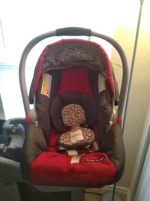 Graco infant car seat with base for Sale in St. Petersburg, FL