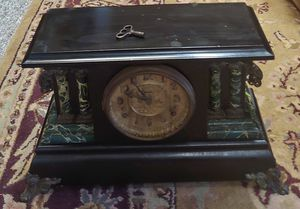 Antique Mantel Wind Up Clock for Sale in Graham, NC