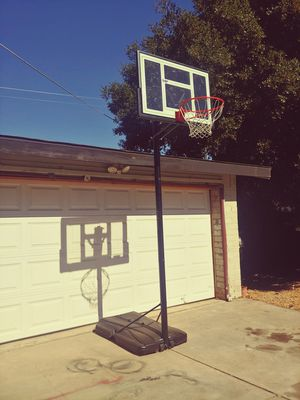 Lifetime basketball hoop 4 sale adjustable up to 10 feet for Sale in Modesto, CA