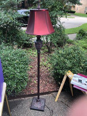 Floor lamp for Sale in Plano, TX
