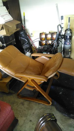 Classic recliner asking $100 for Sale in Bellview, FL