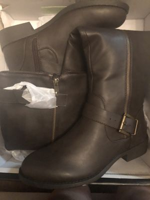 Mis woman 👢 for Sale in Rancho Cucamonga, CA