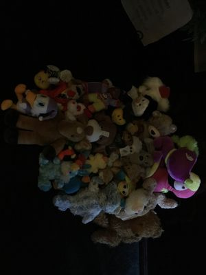 Gently used teddy bears make offer or pick one like too take home for Sale in Florissant, MO