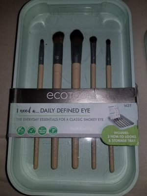 Ecotool make up brush for Sale in Las Vegas, NV