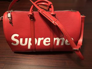 Louis Vuitton x Supreme keepall Bandouliere for Sale in East Windsor, NJ
