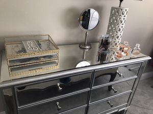 Drawer dresser for Sale in Kenmore, WA