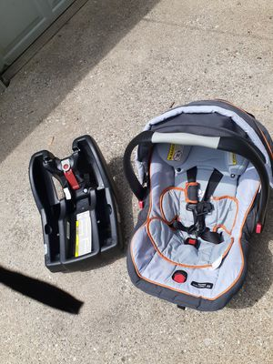 2015 gray color car seat for Sale in Byron, IL