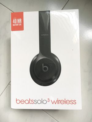 Beats Solo 3 Wireless Headphones Gloss Black for Sale in Minneapolis, MN
