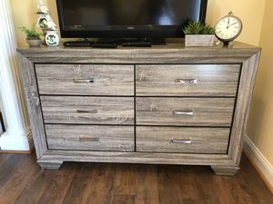 Dresser and 2 night stands! for Sale in Lovettsville, VA
