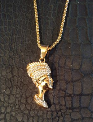 Nefertiti pendant necklaces Stainless Steel Fashion Vintage portrait Charm necklace for Sale in Brooklyn, NY