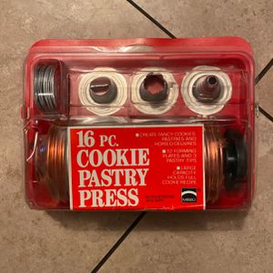 Vintage Mirro 16 PC Cookie Pastry Press for Sale in Burbank, CA