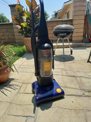 Bissell Powerforce vacuum. Like new for Sale in Riverside, CA