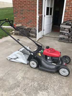 Honda HRX self propelled lawn mower for Sale in Frederick, MD