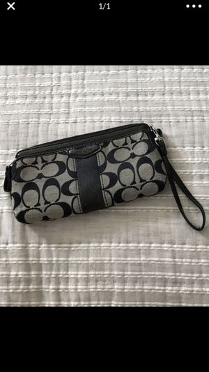 Coach wristlet for Sale in Kyle, TX