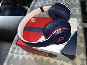 Beats Solo 3 Wireless for Sale in Highland, CA