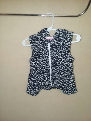 Place's vest with a hood for baby for Sale in Swainsboro, GA
