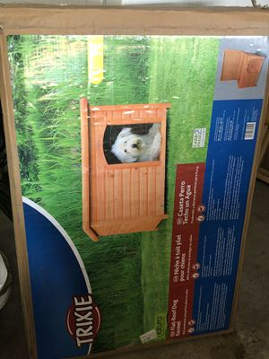 Trixie flat roof dog kennel (large) for Sale in San Jacinto, CA