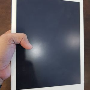 Apple iPad Air -2(Wi-Fi internet access) usable with Wi-Fi,like as new.Factory Unlocked. for Sale in Fort Belvoir, VA