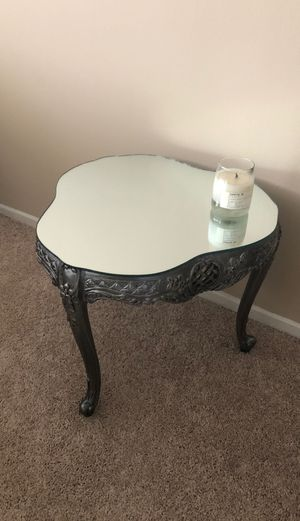 Mirrored antique table for Sale in Los Angeles, CA