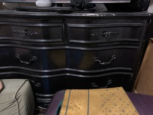 Free furniture- must pick up for Sale in Doral, FL