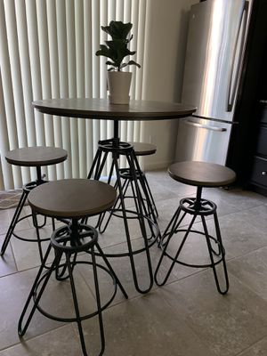 Counter height kitchen table for Sale in Clovis, CA