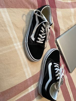 Vans 3.5 for Sale in Tulare, CA