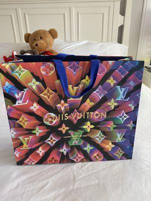 Louis Vuitton shopping bag for Sale in Las Vegas, NV