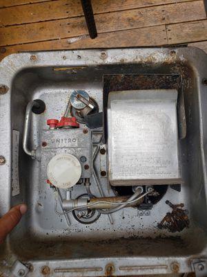 Rv water heater, 6 gallon for Sale in Tacoma, WA