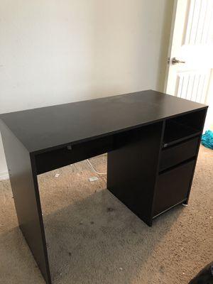 Computer desk for Sale in Fontana, CA