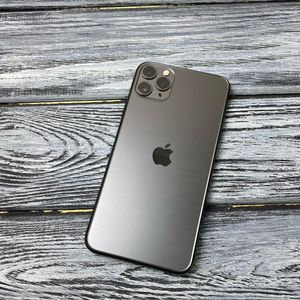 iPHONE 11 PRO MAX for Sale in Goodsprings, NV