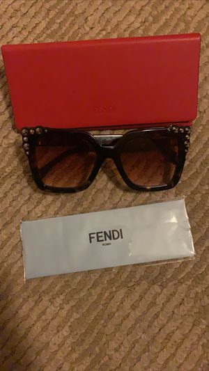 Fendi sun glasses for Sale in Murrieta, CA