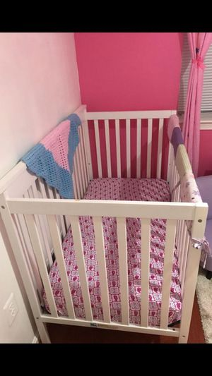 Baby crib and with mattress for Sale in Lorton, VA