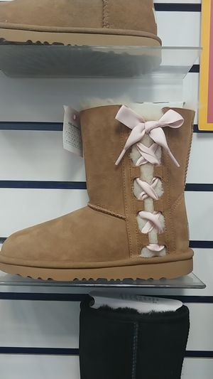 Pala UGG boot limited sizes available for Sale in Wheaton, MD