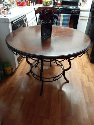 Dining table with 4 chairs for Sale in San Bernardino, CA