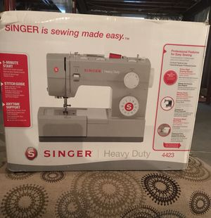 Singer heavy duty sewing machine for Sale in Bowie, MD
