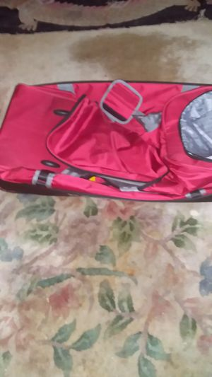 Red and black duffle bag for Sale in Deptford Township, NJ