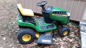John deer riding mower only 9 hours for Sale in Dexter, KY