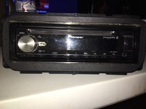 Pioneer Bluetooth cd receiver and kicker 6x9 speaker pair. for Sale in Greenfield, WI